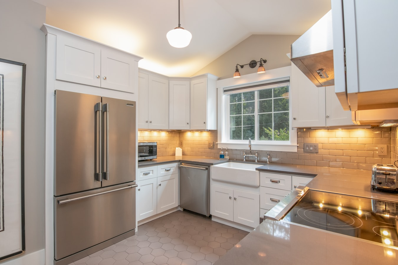 how to make an old kitchen look new