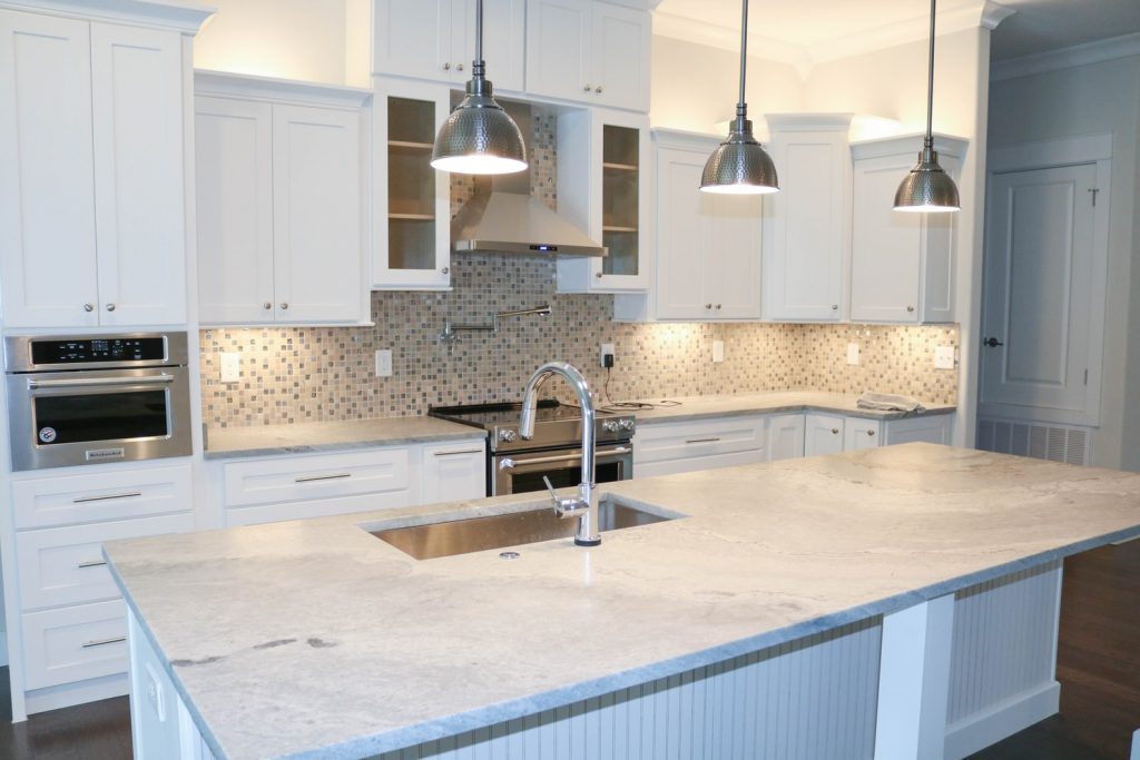 should a kitchen island be the same height as counter