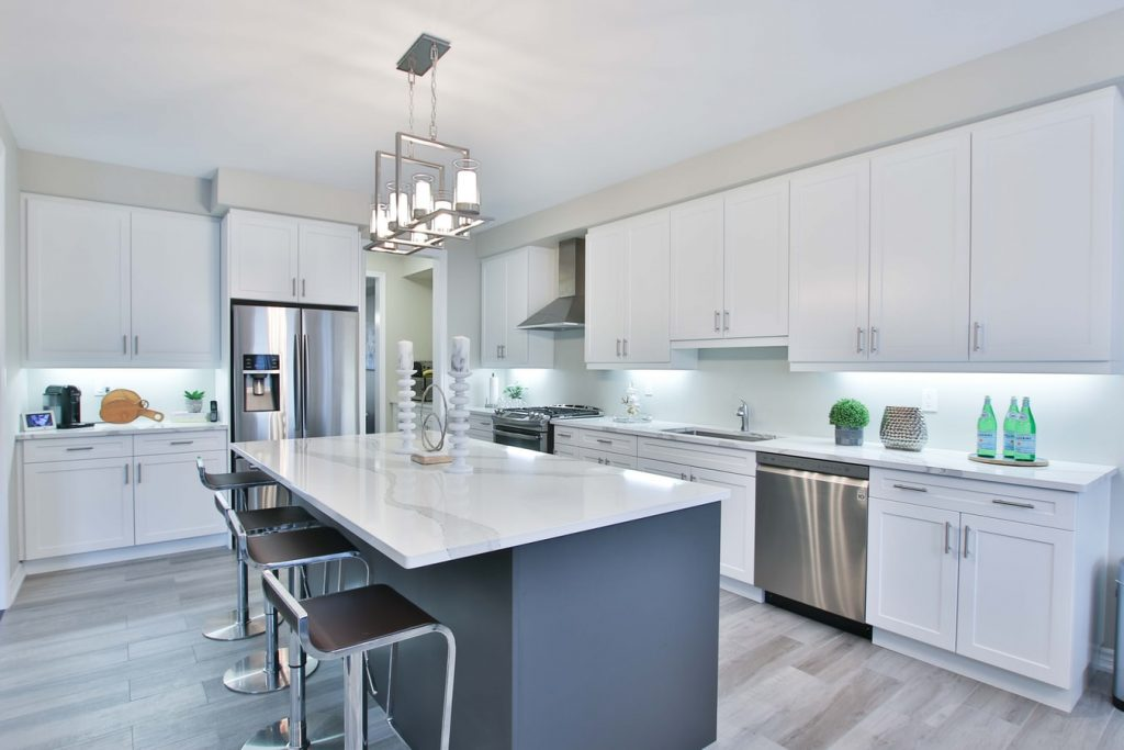 do white kitchen cabinets get dirty