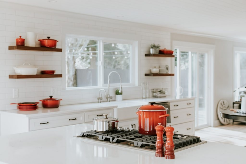 advantages of double sink in kitchen