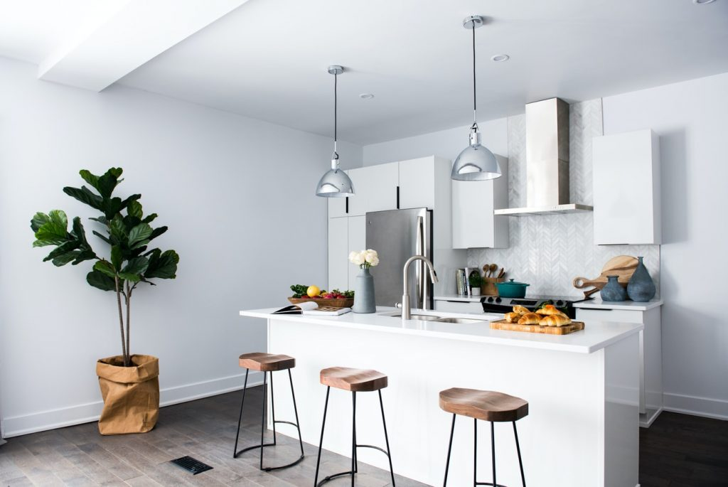does a kitchen island have to be attached to the floor