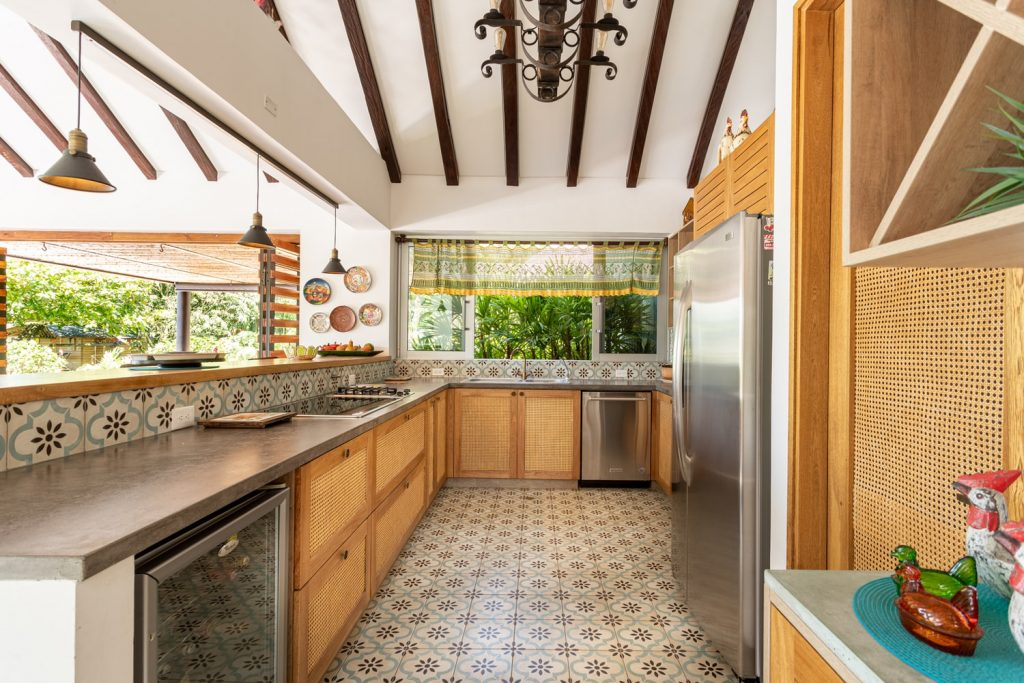 can you mix chrome and brushed nickel in a kitchen