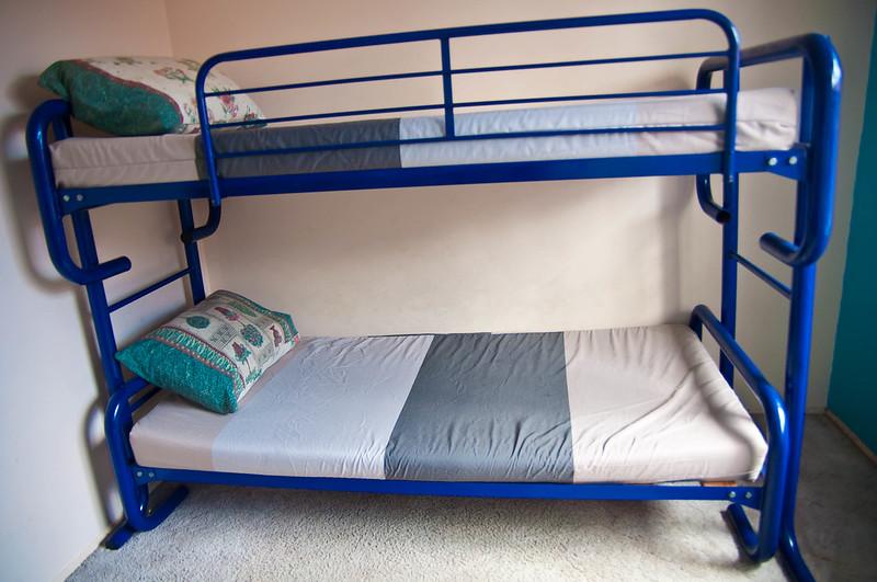 how to cut metal bunk beds in half
