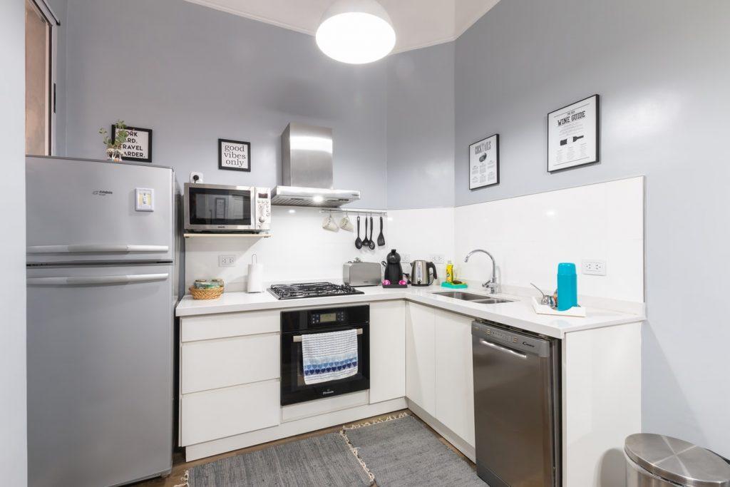 microwave turns on when door opens
