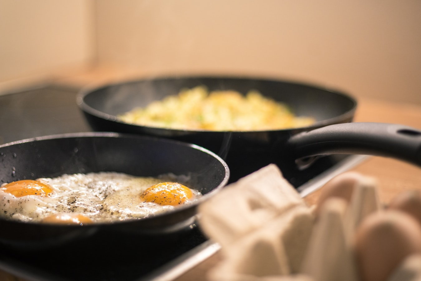 Is Calphalon cookware safe for glass top stoves