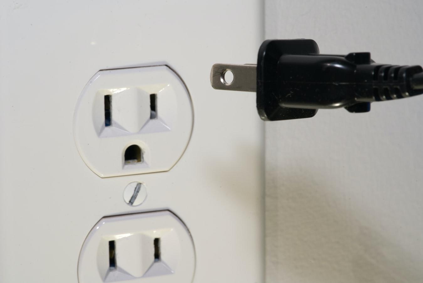 can you plug a mini fridge into a regular outlet