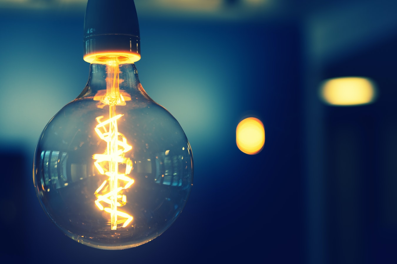 do you need special light bulbs for dimmer switches