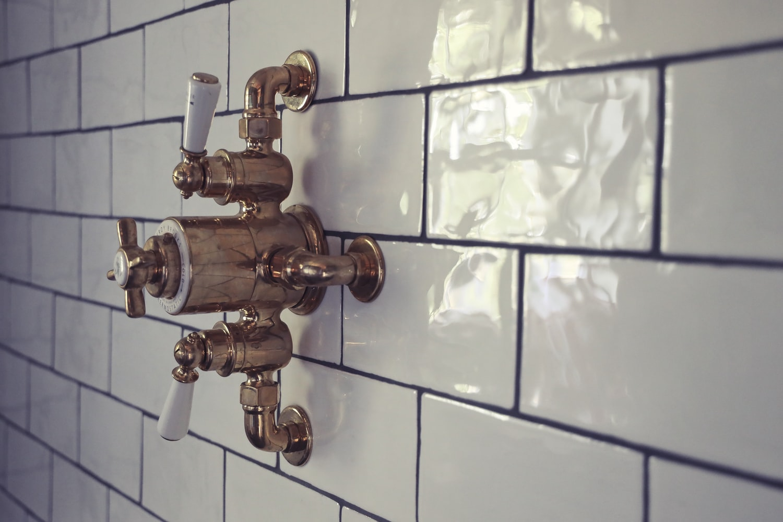 how to identify shower valve manufacturer