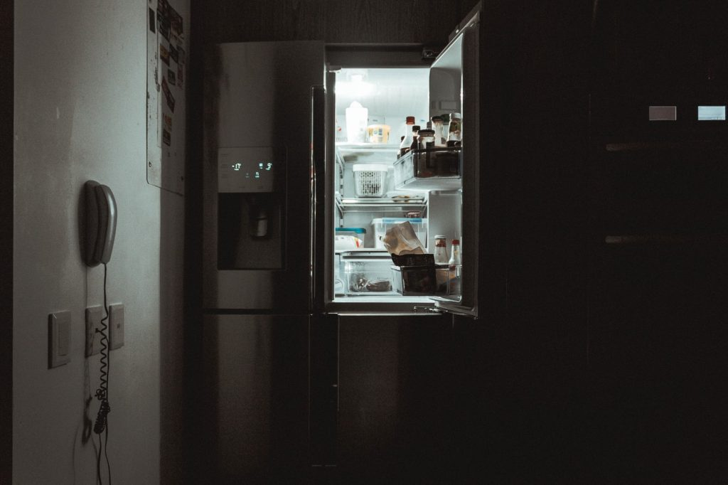 how much does it cost to run a refrigerator in the garage