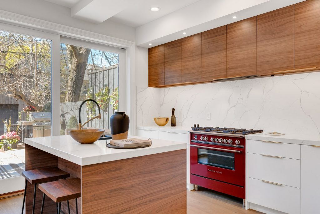 can the kitchen island have a different countertop