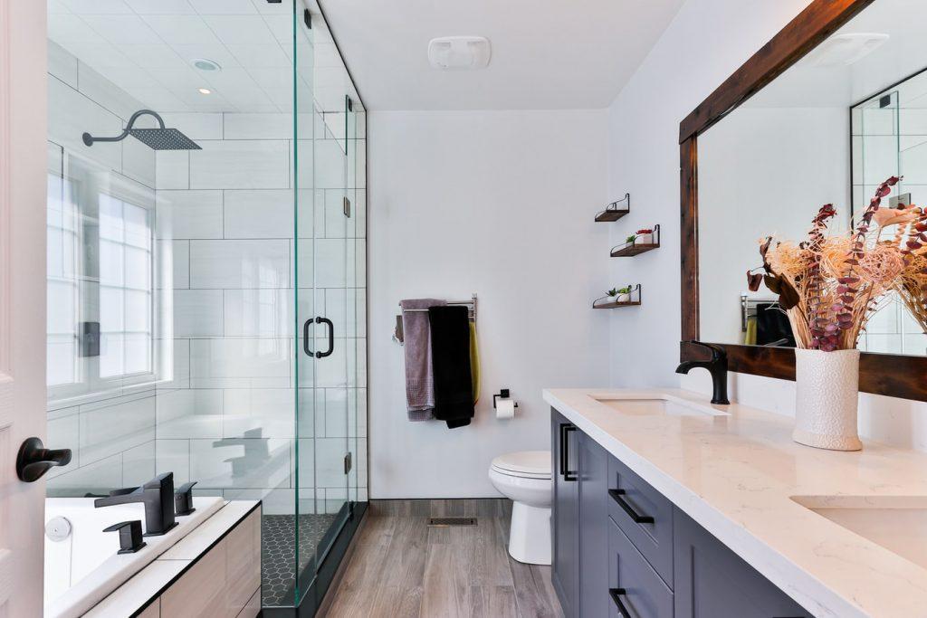 should towel bars match faucet