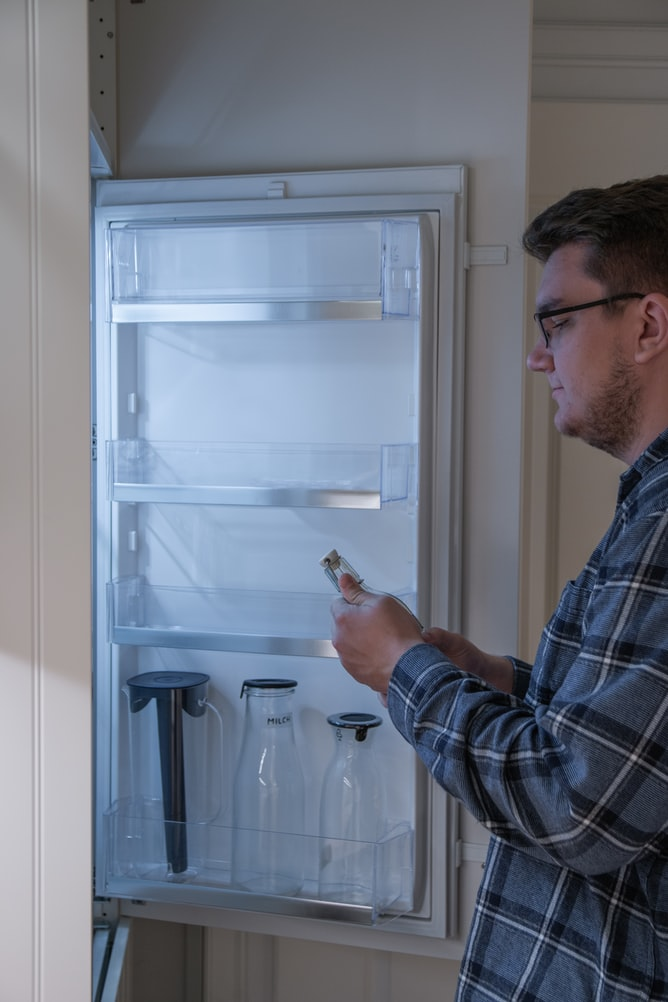Can a fridge make ice without a water line