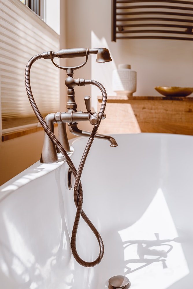 do bathroom lights need to be gfci protected