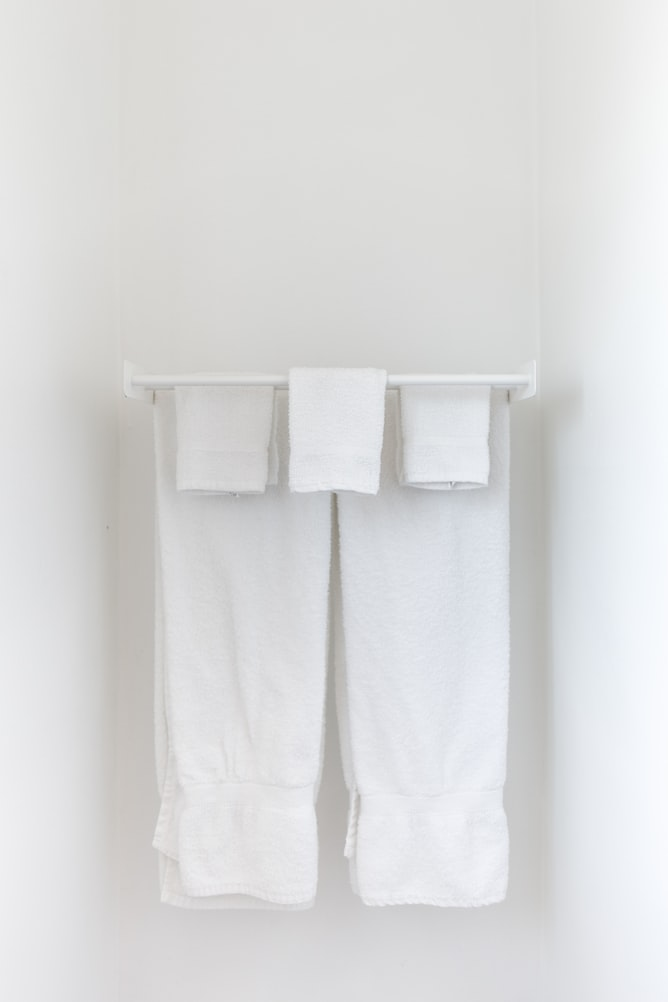 How long can you leave a towel warmer on