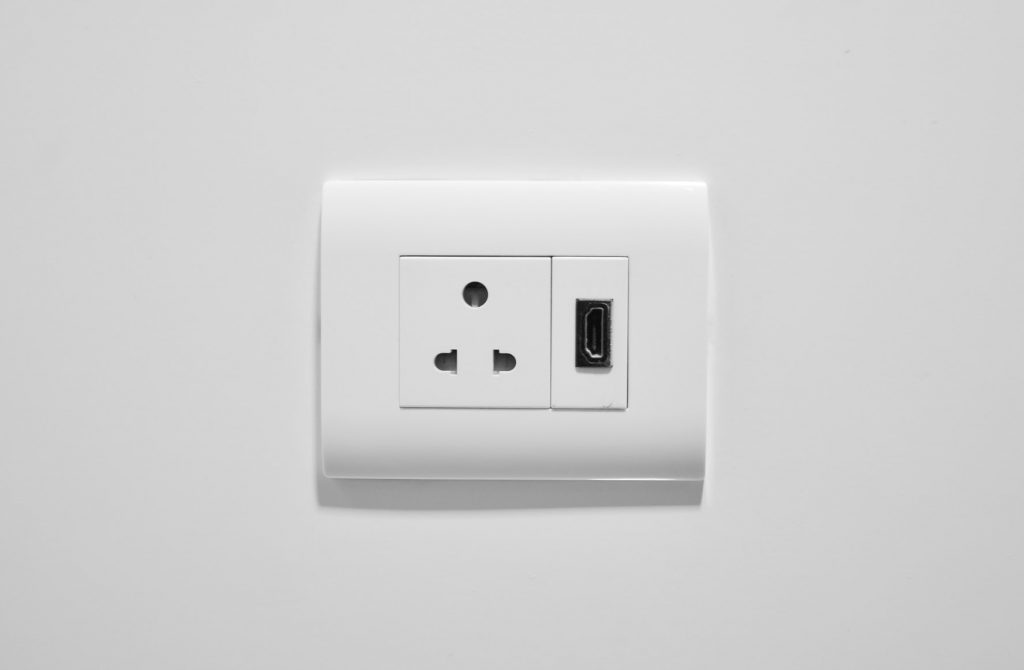 top outlet not working but bottom is