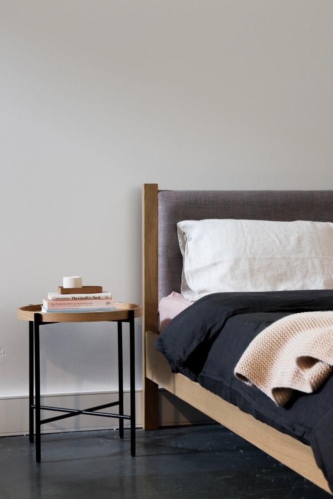 bed frame vs no bed frame
