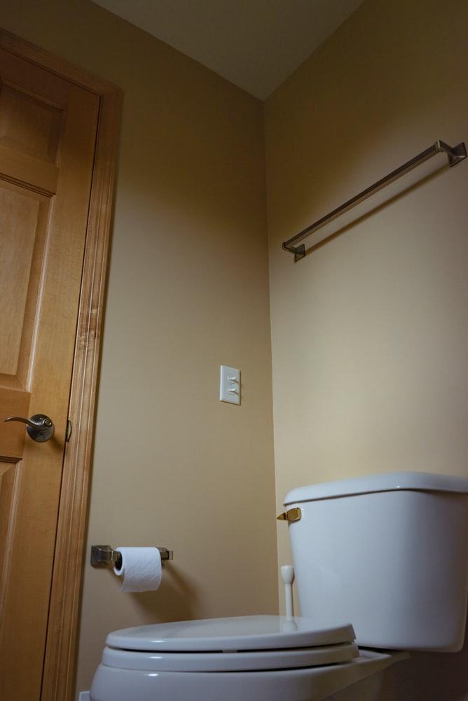 Are toilet tanks interchangeable