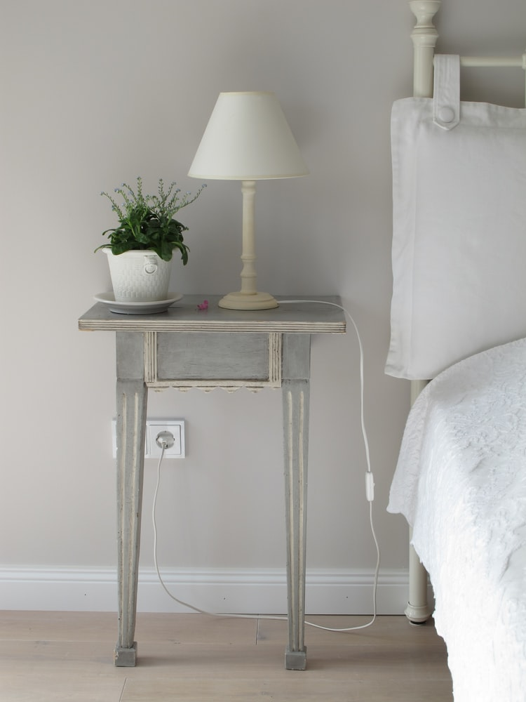 do nightstands have to match dresser