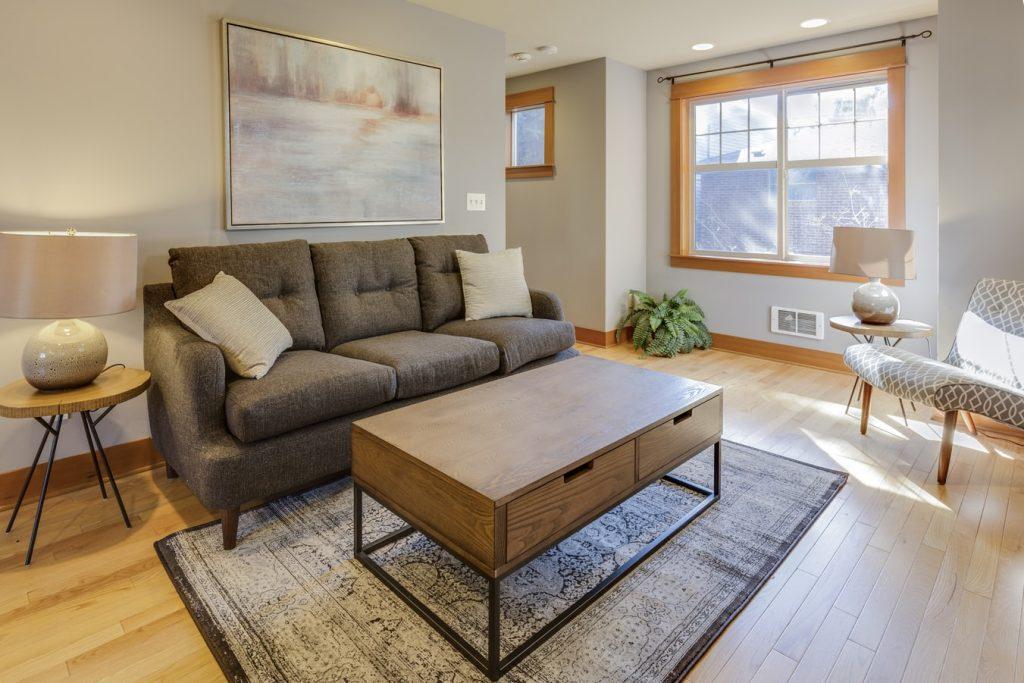 Do rug pads damage hardwood floors